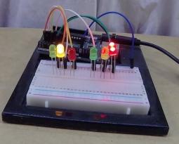 DIY Arduino LED Traffic Light Controller