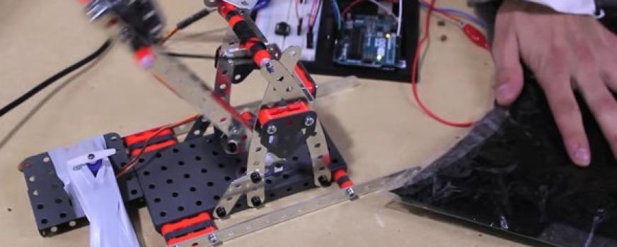 Arduino Servo Catapult: DIY Catapult using Arduino